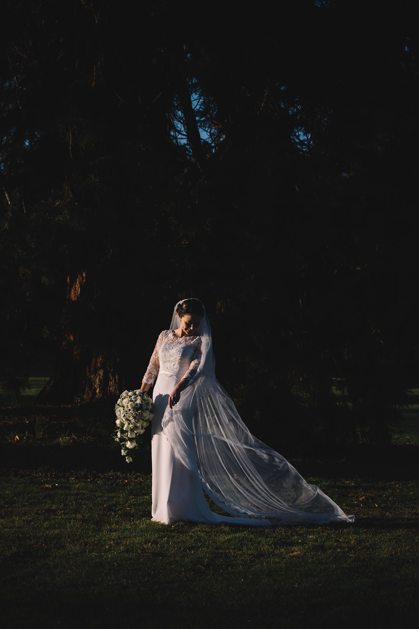 bridal-portrait-sunbury-court-wedding-photography-vanessa-adams